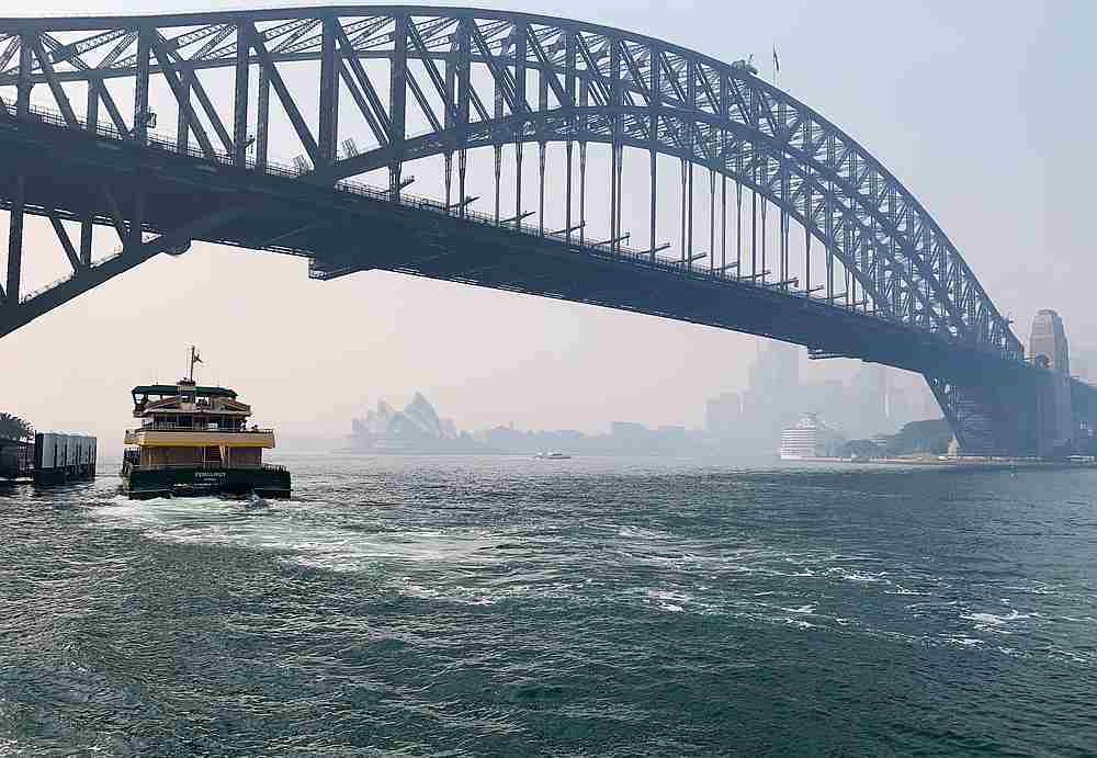 Australian PM denies climate link as smoke chokes Sydney